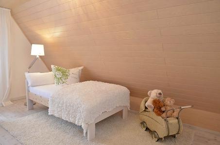 Schlafzimmer mit 1 Bett (Obergeschoss), Fewo Nessel in Haßloch/Pfalz