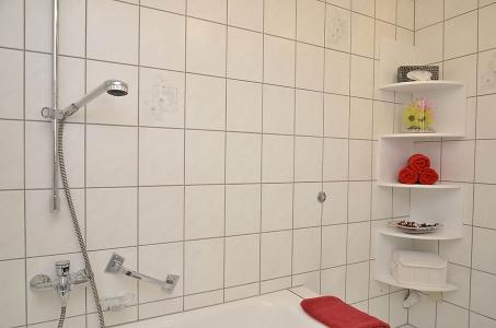 Geräumiges Bad (Erdgeschoss),  Fewo Nessel in Haßloch/Pfalz